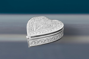 Heart-Shape-ring-box